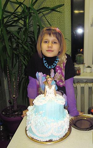 огромный торт на день рождения